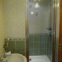 Bathroom @ snowdoniaholidaycottage.com